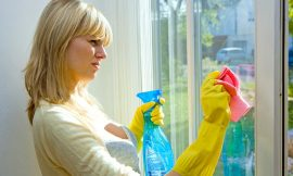 4 easy and quick tips to clean mirrors and windows