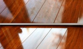 Natural solutions for cleaning and polishing parquet
