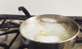 Easy Household Trick To Remove Scorched Milk On The Bottom Of The Pot